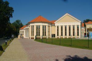 Františkovy Lázně - pohled na novou fasádu