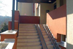 Zahradníčkova 1123,1124 schodiště