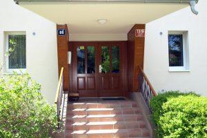 Branická - vchod