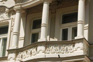 Historické fasády - rekonstrukce v Praze (sloupy)