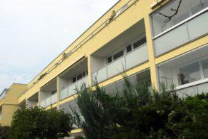Přádova 2051 – 2064 balkony zprava