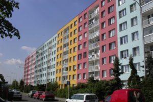 Moderní barevné pojetí zateplené fasády
