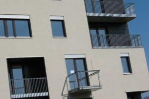 Fasáda a balkony novostavby