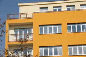Nová okna a zrekonstruované balkony