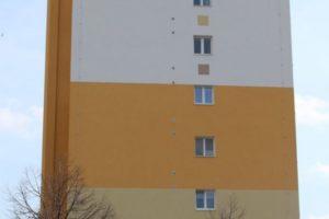 Štít domu v ulici Svojšovická