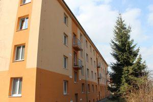 Ulice Zelenečská a nová fasáda